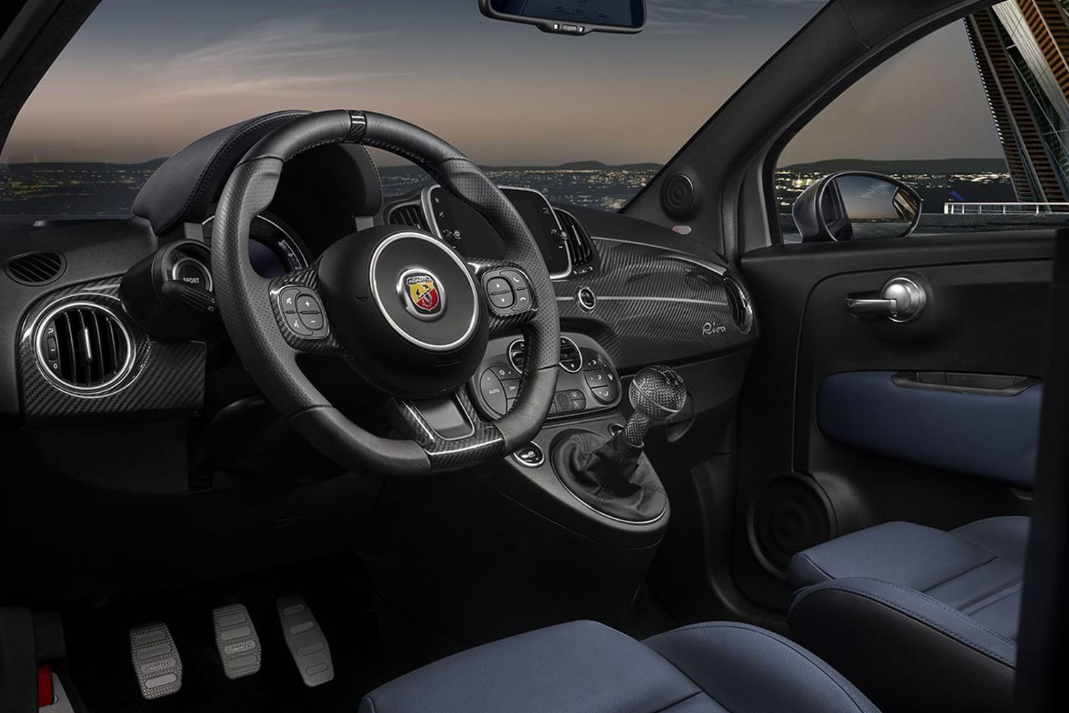 Abarth 695 interieur
