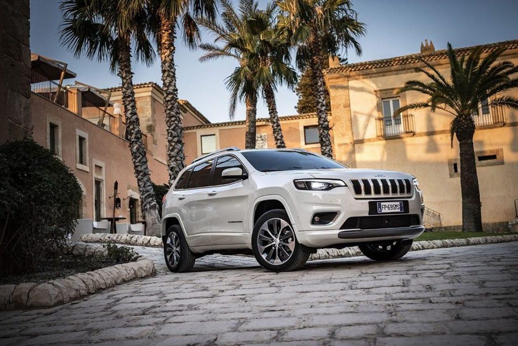 Jeep Cherokee voorkant zijaanzicht