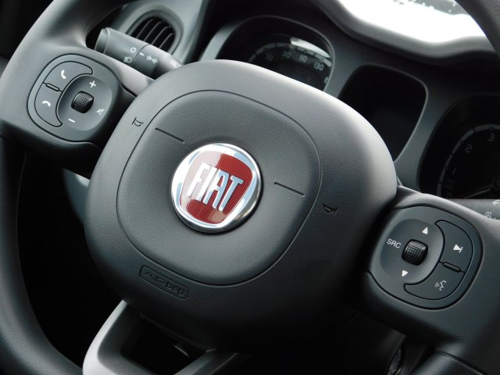 Fiat Panda Hybrid City Life Pack City 5-pers Apple Carplay Mistlampen *Private lease 304,-*